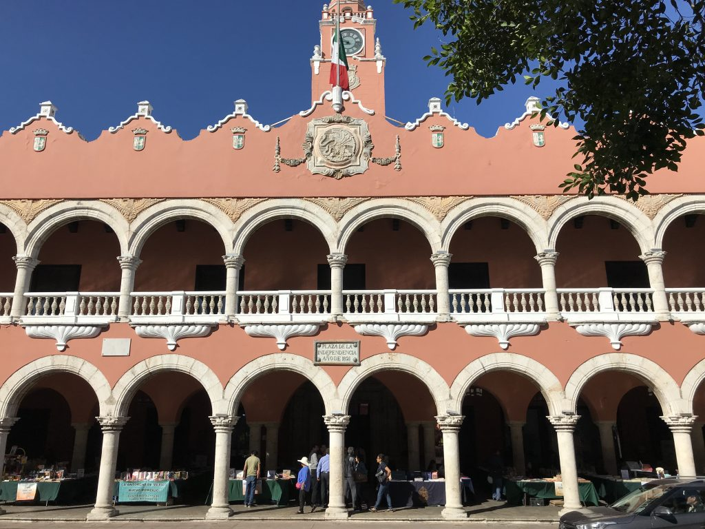 Palacio Municipal - meet here for the walking tour.
