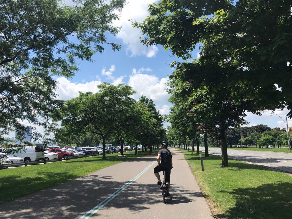 Martin Goodman Trail, Toronto - It's even pretty between Lake Shore Boulevard and Budapest Park parking lot.