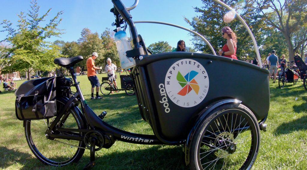 Winther Cargoo, cargo bike, Happy Fiets Canada logo